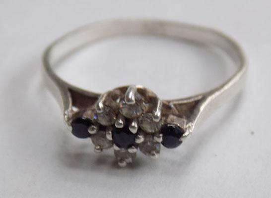 925 Silver band with sapphire and diamond ring (size p)