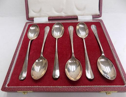 Boxed set of 6 silver spoons