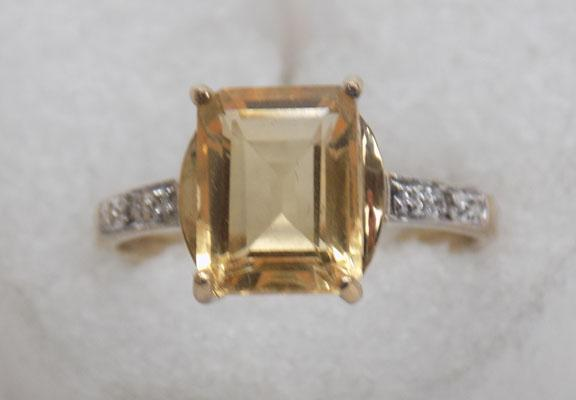 9ct gold diamond & citrine ring