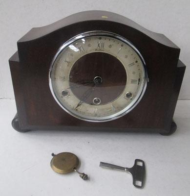 1930's mantel clock in working order - NEEDS ADJUSTMENT