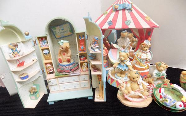 Christmas circus & toy cupboard cherished teddies