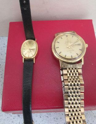 Box of 2 Omega watches - 1 with certificate