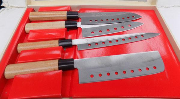 Boxed 4 piece Japanese knife set
