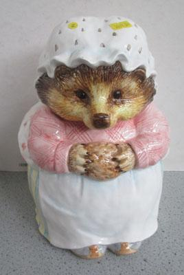 Enesco Beatrix Potter Mrs Tiggy Winkle cookie jar