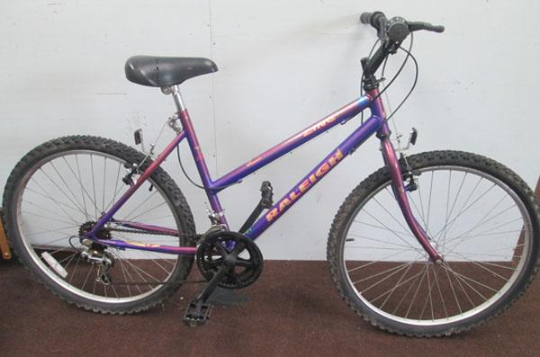 "Raleigh Zing ladies purple 26"" rigid 10 gears bike"