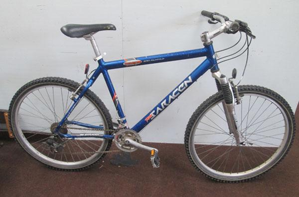 "Saracen Traverse blue 26"" hardtail 21 gears bike"