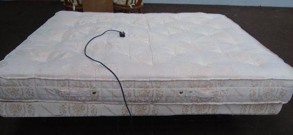 Craftmatic electric multi-function king size bed/mattress