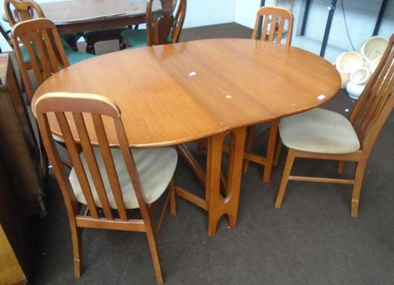 1960's drop leaf table + 4 chairs