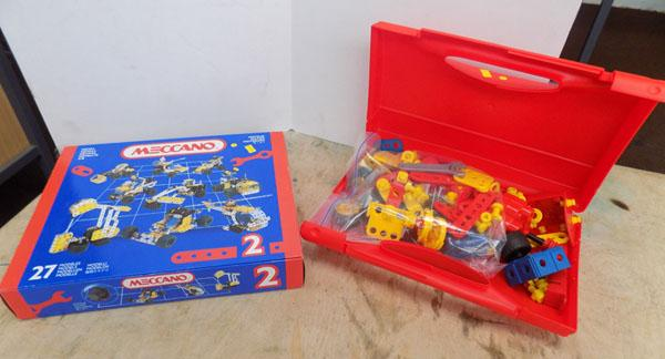 Meccano No 2 complete Junior 0296 complete with city spares