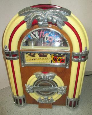 Old style juke box radio