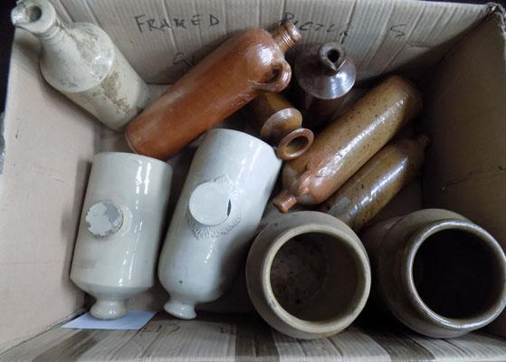Box of ceramics/vintage stoneware