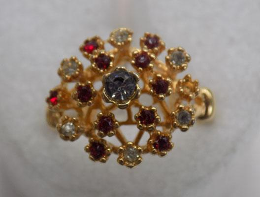 18ct gold HGE ring? - red & clear stones