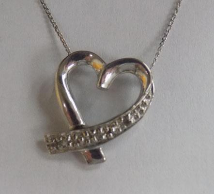 9ct white gold chain & heart pendant
