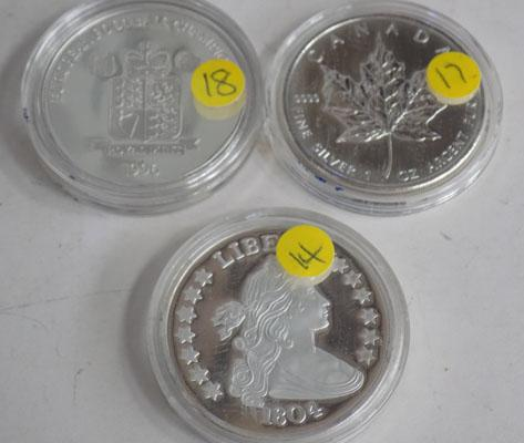 1804 silver copy dollar +2008 silver Canada Maple crown & 1996 silver football championship crown