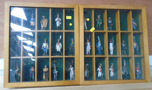2x Display cabinets-toy soldiers