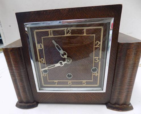 Mantle clock-Westminster chimes (key & pendulum in office)