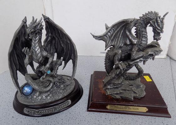 2 Dragons with stands