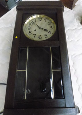 Large wall clock (key in office)
