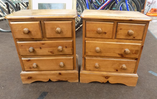 2 Matching solid pine bedside drawers