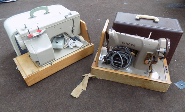 2 Sewing machines in case