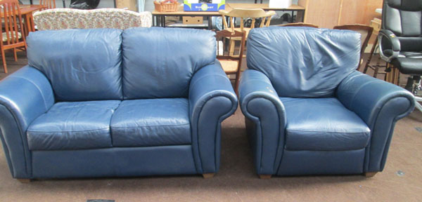 Blue leather 2 seater settee & reclining chair