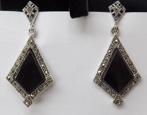 Pair of Art Deco silver jet & marcasite ear rings