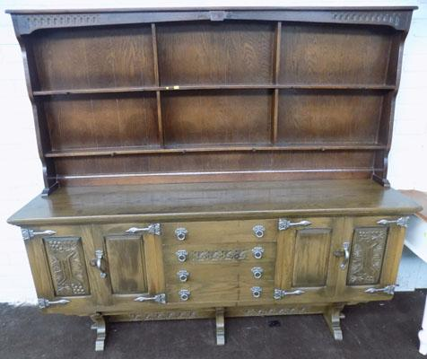 Old charm style display dresser