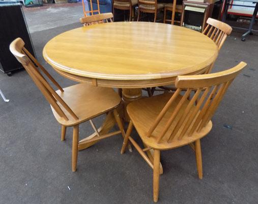 Round teak table & 4 chairs