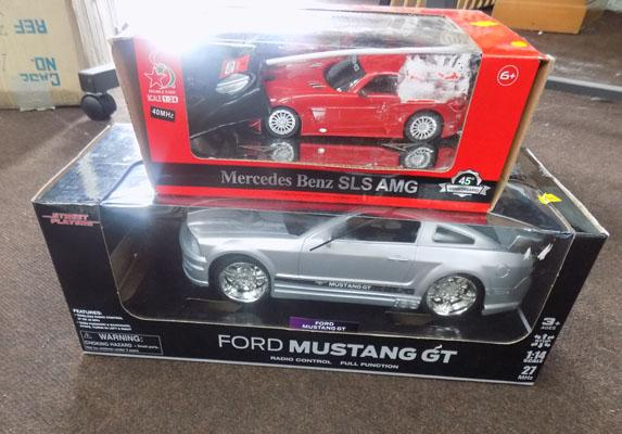 1x Mercedes & 1x Mustang remote control cars w/o