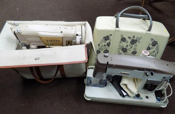 2 Sewing machines in cases