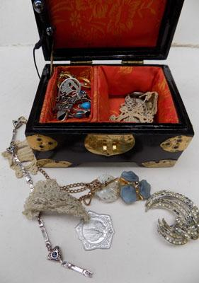 Collection of silver, gold & costume jewellery