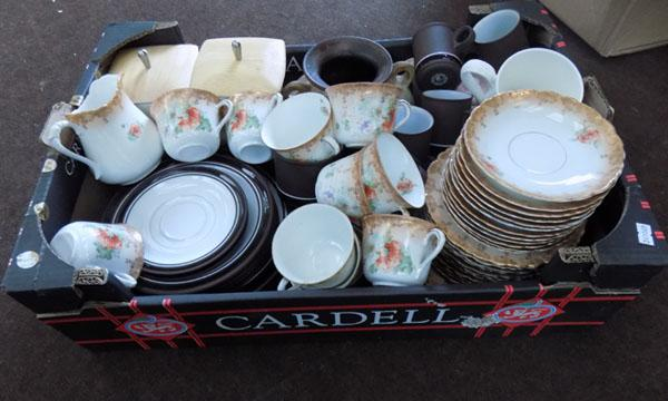 Box of mixed crockery & collectables inc Hornsea