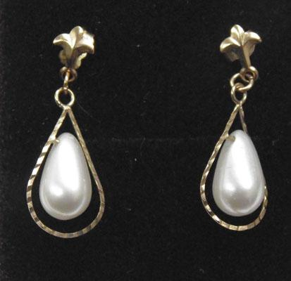 9ct Gold faux pearl drop ear rings