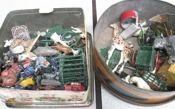 2 tins of lead figures