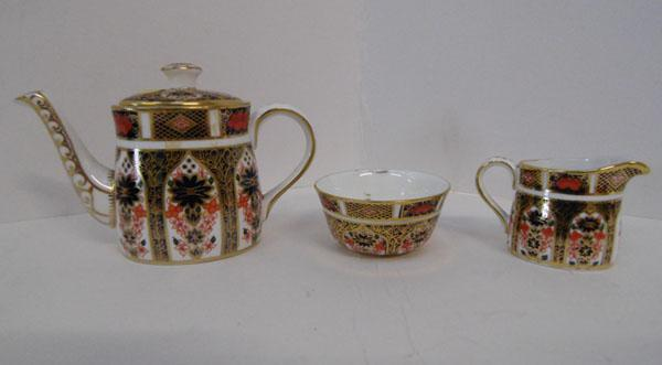 Royal Crown Derby old Imari mini teapot, sugar bowl & cream jug