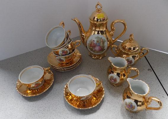 Bondware Fine China 16 piece coffee set
