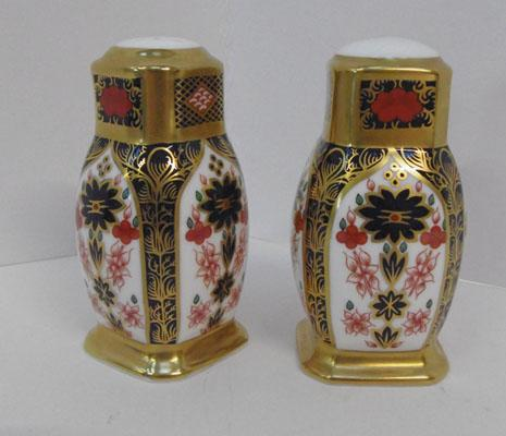 Royal Crown Derby old Imari boxed cruet set