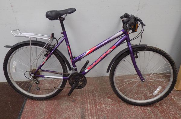 "Universal Wildthing ladies purple bike 26"" rigid 18 gears"
