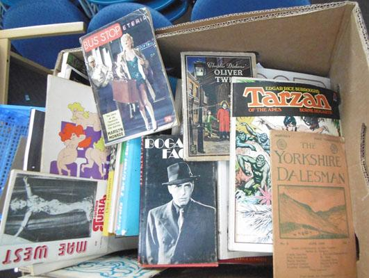 Box of collectable vintage books