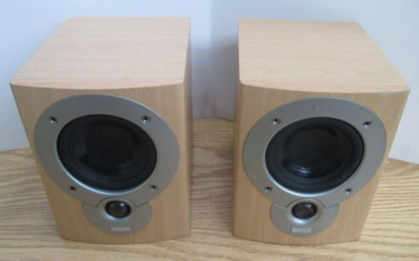 Pair Denon speakers w/o