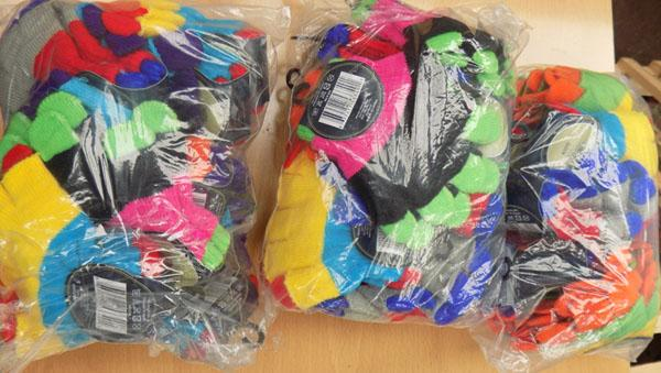 30x Pairs of new kids gloves