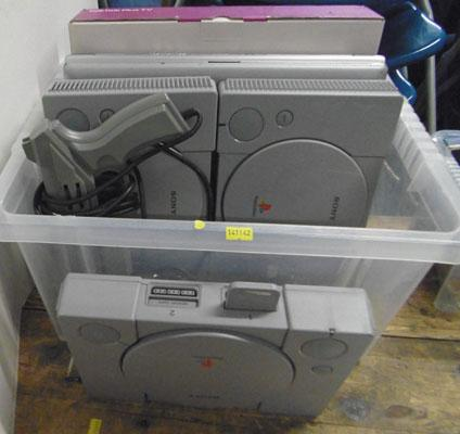 Box of mixed electricals inc PS1