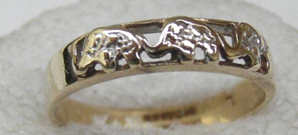 9ct Gold Elephant ring