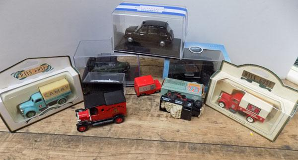 Oxford 'Road Show' taxis & other die cast