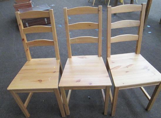 3x Wooden chairs