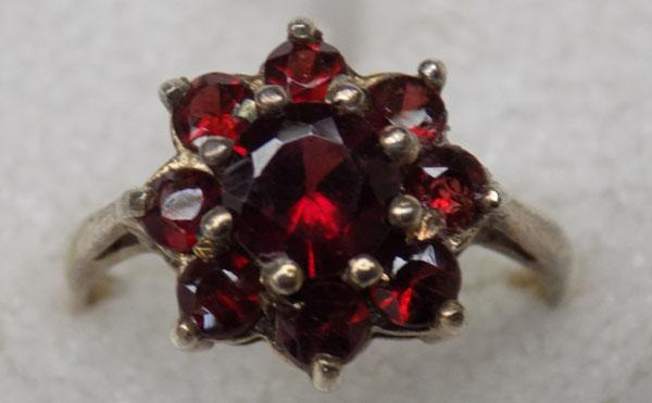 Vintage 9ct gold & Ruby ring