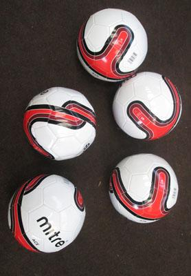 5x Brand new Mitre ace size 5 footballs