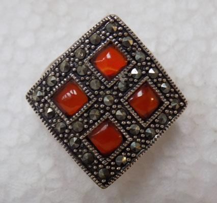 Sterling silver Cornelian and Marquisite stone ring - size approx P