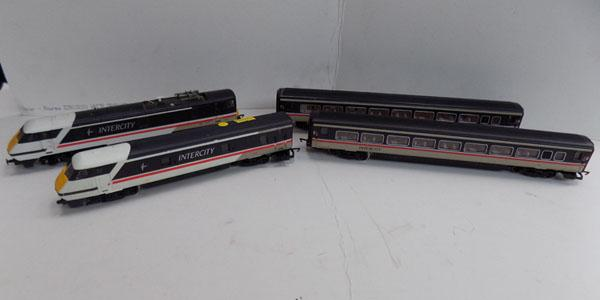 Hornby Intercity '00' gauge train