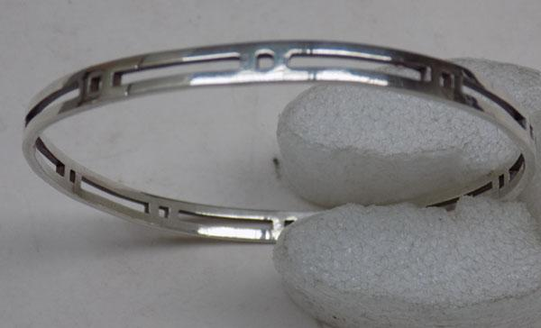 925 Silver modernist style bangle